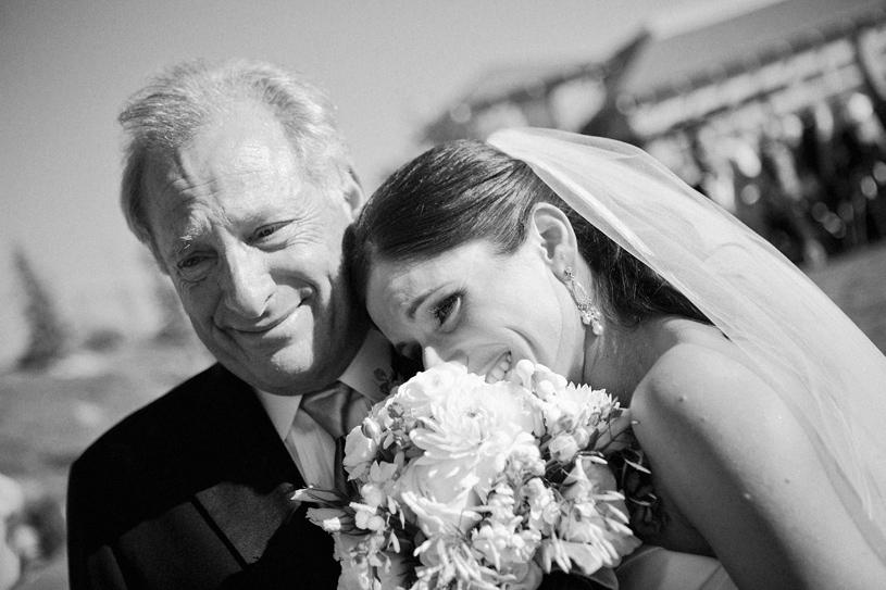 що подарувати батькам на весілля