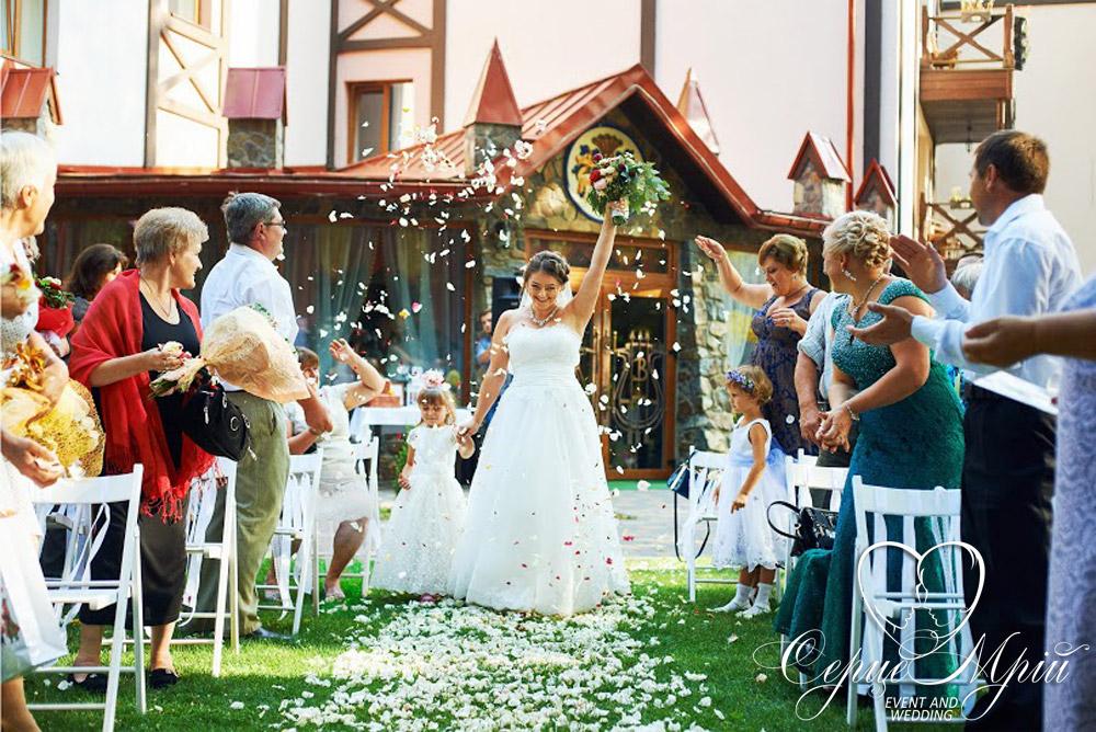 весілля у львові оформлення ресторан шервуд (5)