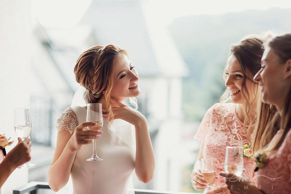 зачіски для дівчат на весілля