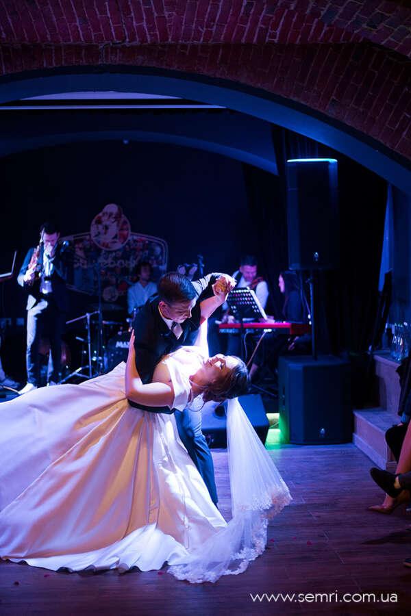 де святкувати весілля у Львові ресторан Грушевський